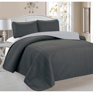 3-piece Chevron Reversible Quilt Set