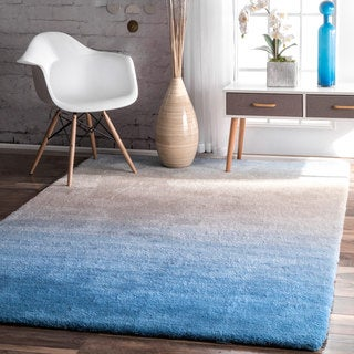 nuLOOM Handmade Soft and Plush Ombre Blue Shag Rug (5' x 8')