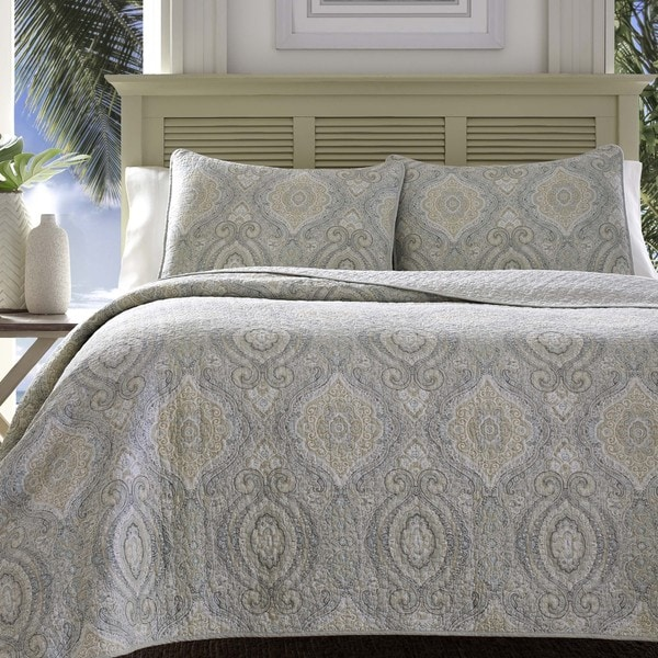 Tommy Bahama Turtle Cove Pelican Medallion Grey Quilt Set