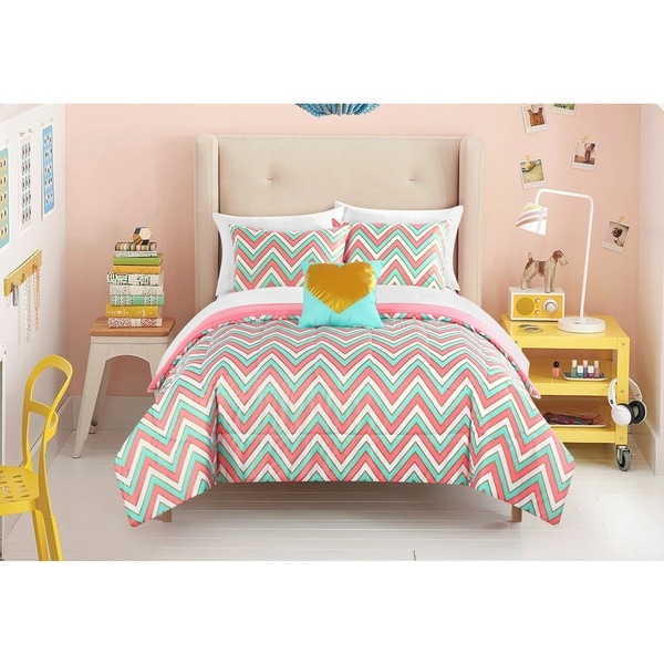 Latitude Gilded Chevron 8-piece Bed in a Bag Bedding Set
