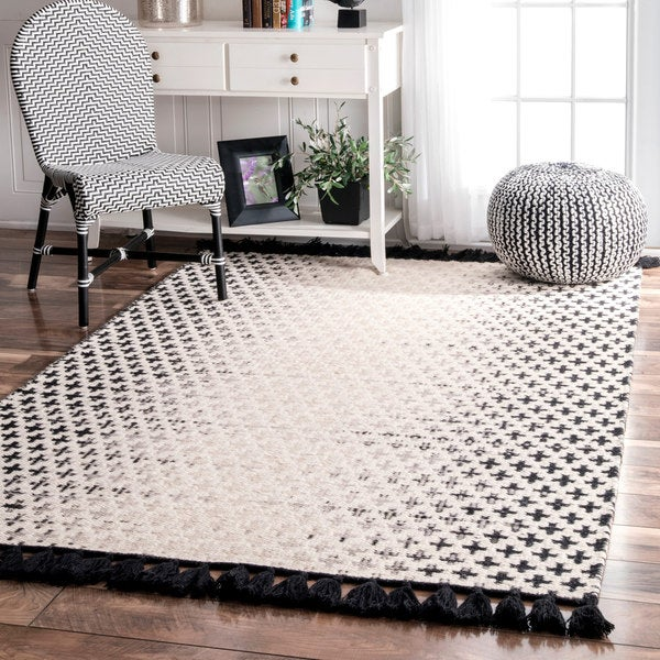 nuLOOM Handmade Flatweave Wool Reversible Tassel Area Rug