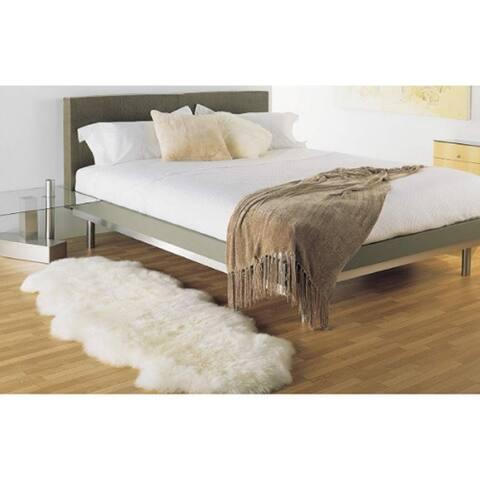 "Northland Supreme Ivory Longwool Sheepskin Double Pelt Shag Rug (2'x6') - 2' x 5'7"""