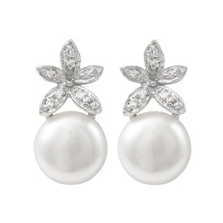 Luxiro Sterling Silver Cubic Zirconia Freshwater Pearl Flower Earrings