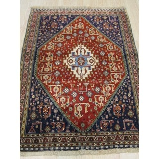 Hand-knotted Wool Red Traditional Oriental Kashkuli Rug (3'5 x 4'9)