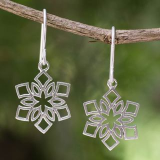 Handcrafted Sterling Silver 'Blossoming Snowflakes' Earrings (Thailand)