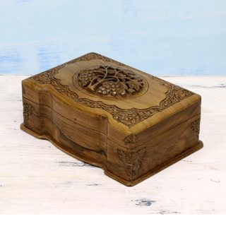 Handcrafted Walnut Wood 'Vineyard' Jewelry Box (India)
