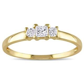 Miadora 10k Yellow Gold 1/4ct TDW Princess Diamond Traditional 3-stone Ring (H-I, I2-I3)