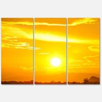 Designart 'Bright Yellow Sky At Sri Lanka Sunset' African Landscape Glossy Metal Wall Art