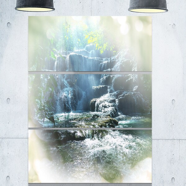 Designart 'Fantastic Waterfall in Mexico Jungle' Oversized Landscape Glossy Metal Wall Art