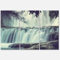Designart 'Amazing Waterfall in Mexico' Landscape Glossy Metal Wall Art