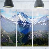 Designart 'Frosty Mountains on Alaska' Landscape Glossy Metal Wall Art