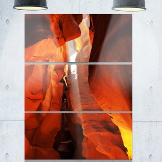Designart 'Antelope Canyon in Sunlight Rays' Oversized African Landscape Glossy Metal Wall Art