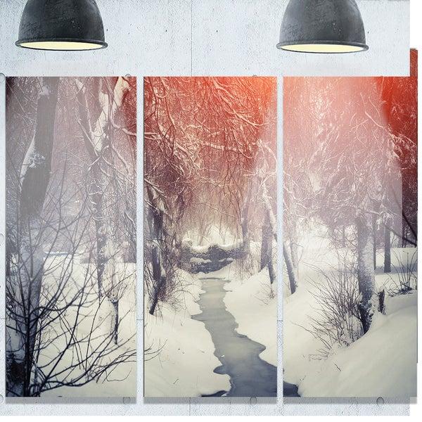 Designart 'Beautiful Snowfall in City Park' Landscape Glossy Metal Wall Art