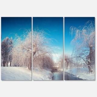 Designart 'Amazing Winter in City Park' Large Landscape Art Glossy Metal Wall Art