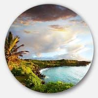 Designart 'Hawaii Oahu Island' Photography Round Metal Wall Art