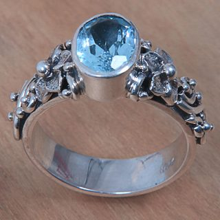 Handcrafted Sterling Silver 'Frangipani Path' Blue Topaz Ring (Indonesia)
