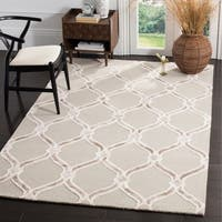 Safavieh Manchester Hand-Woven Wool Taupe / Ivory Area Rug - 5' x 8'