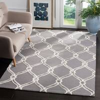 Safavieh Manchester Hand-Woven Wool Dark Grey / Ivory Area Rug - 8' x 10'