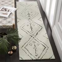 "Safavieh Casablanca Handmade Moroccan Flokati Ivory / Multi Wool Runner - 2'3"" x 8'"