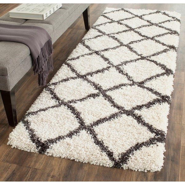 Safavieh Belize Shag Ivory / Charcoal Area Rug Runner - 2'3 x 5'