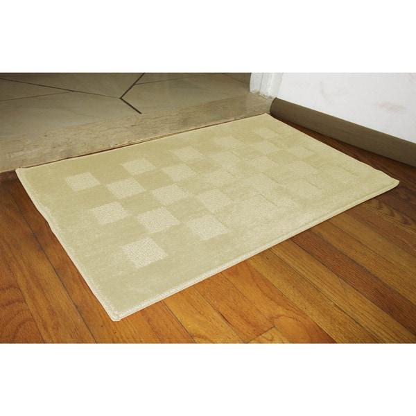 Checkerboard Accent Rug (18x30)