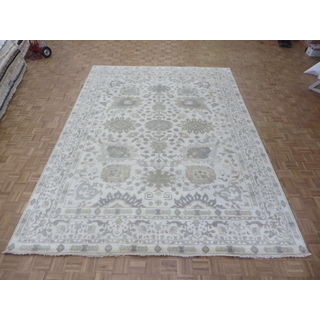 Hand Knotted Ivory Oushak with Wool Oriental Rug (10 x 13'9)