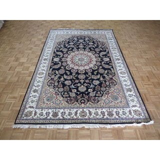 Hand-knotted Navy Blue Nain with Wool and Silk Oriental Rug (6'7 x 10)