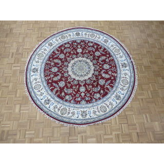 Hand Knotted Red Nain with Wool & Silk Oriental Rug (7'9 x 7'9)
