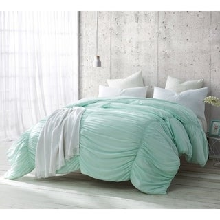 Hint of Mint Waves Handcrafted Series Comforter