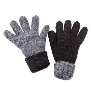 Handmade Alpaca Reversible Gloves, 'Black Smoke' (Peru)