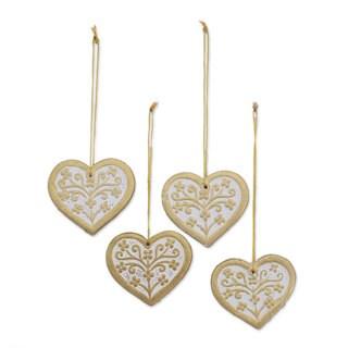 Set of 4 Ceramic Ornaments, Jolly Hearts (India)