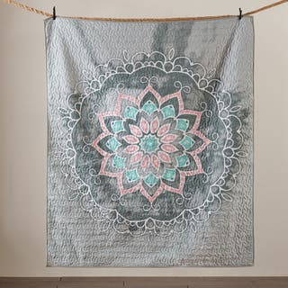 Intelligent Design Medallion Grey Quilted Throw|https://ak1.ostkcdn.com/images/products/14230923/P20822061.jpg?impolicy=medium