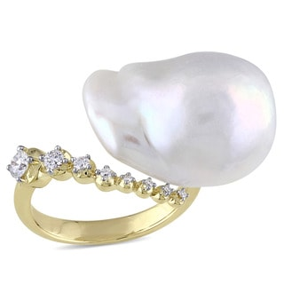 Miadora 14k Yellow Gold Cultured Freshwater Baroque Pearl and 1/5ct TDW Diamond Statement Ring (14-14.5 mm) (G-H, SI1-SI2)