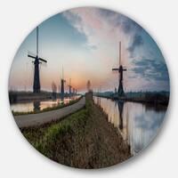 Designart 'Kinderijk Holland Panorama' Landscape Disc Metal Wall Art