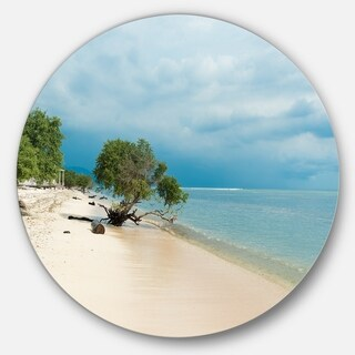 Designart 'Beautiful Coastline in Indonesia' Modern Seascape Disc Metal Artwork