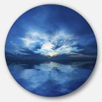 Designart 'Blue Waters and Blue Sky Sunset' Modern Seascape Round Metal Wall Art