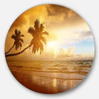 Designart 'Beautiful Palms at the Caribbean Beach' Seascape Round Metal Wall Art