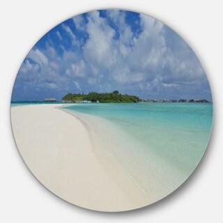 Designart 'Calm Seashore at Tropical Beach' Modern Seascape Disc Metal Artwork