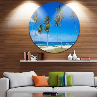Designart 'Bright and Clear Tropical Beach' Seascape Round Wall Art