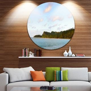 Designart 'Aitutaki Lagoon Panorama' Modern Seascape Disc Metal Wall Art