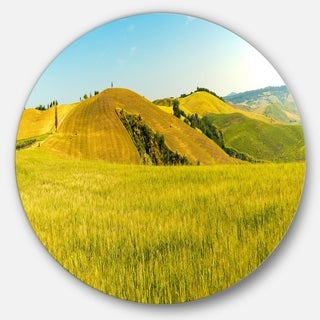 Designart 'Tuscany Wheat Field on Sunny Day' Landscape Circle Wall Art