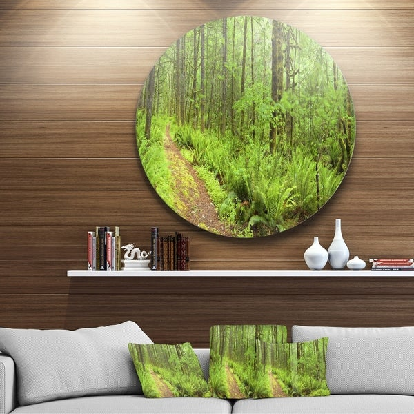 Designart 'Lush Forest Path Columbia River' Forest Round Metal Wall Art -  DESIGN ART, MT11137-C