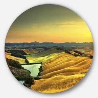 Designart 'Rural Landscape Italy Panorama' Landscape Circle Wall Art