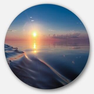 Designart 'Smooth Sea Surface under Sunset' Beach Round Wall Art
