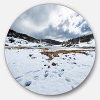 Designart 'Snow Mountains in Kosciuszko Park' Landscape Disc Metal Wall Art