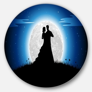 Designart 'Couple Embrace in Night' Romance Art Round Metal Wall Art