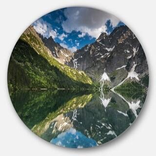 Designart 'Reflection of Mountain Peaks' Landscape Round Wall Art