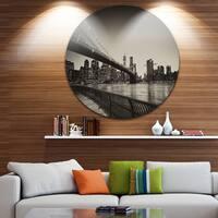 Designart 'Famous Landmark of Brooklyn Bridge' Cityscape Large Disc Metal Wall art