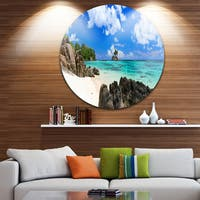 Designart 'Ideal Beach in Seychelles' Seascape Photo Circle Wall Art
