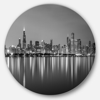 Designart 'Chicago Skyline at Night Black and White' Cityscape Circle Wall Art